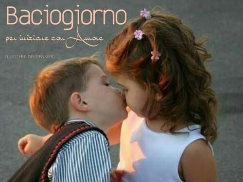 Immagini del buongiorno con un bacio